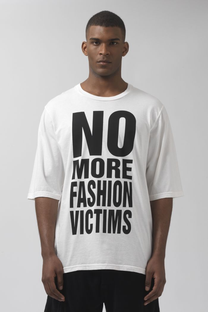 NO MORE FASHION VICTIMS oversized organic cotton t-shirt
