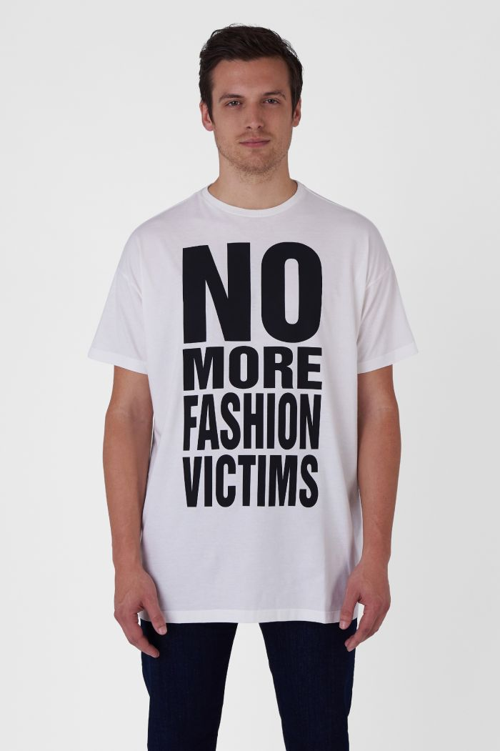 NO MORE FASHION VICTIMS ORGANIC COTTON WHITE OVERSIZED T-SHIRT