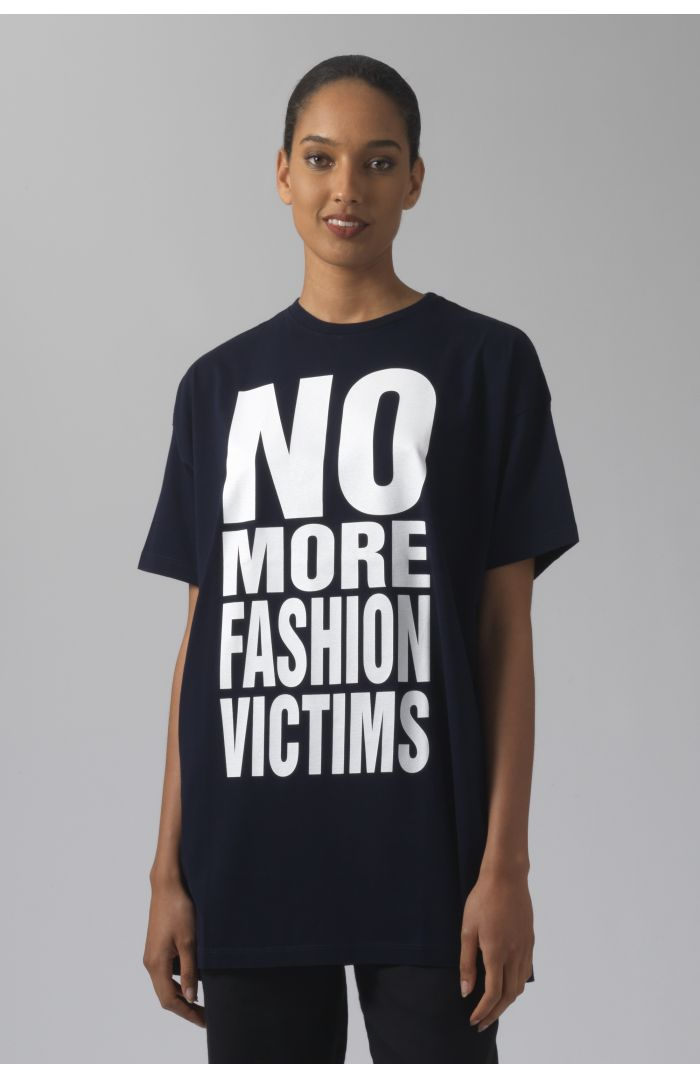 NO MORE FASHION VICTIMS OVERSIZED NAVY T-SHIRT